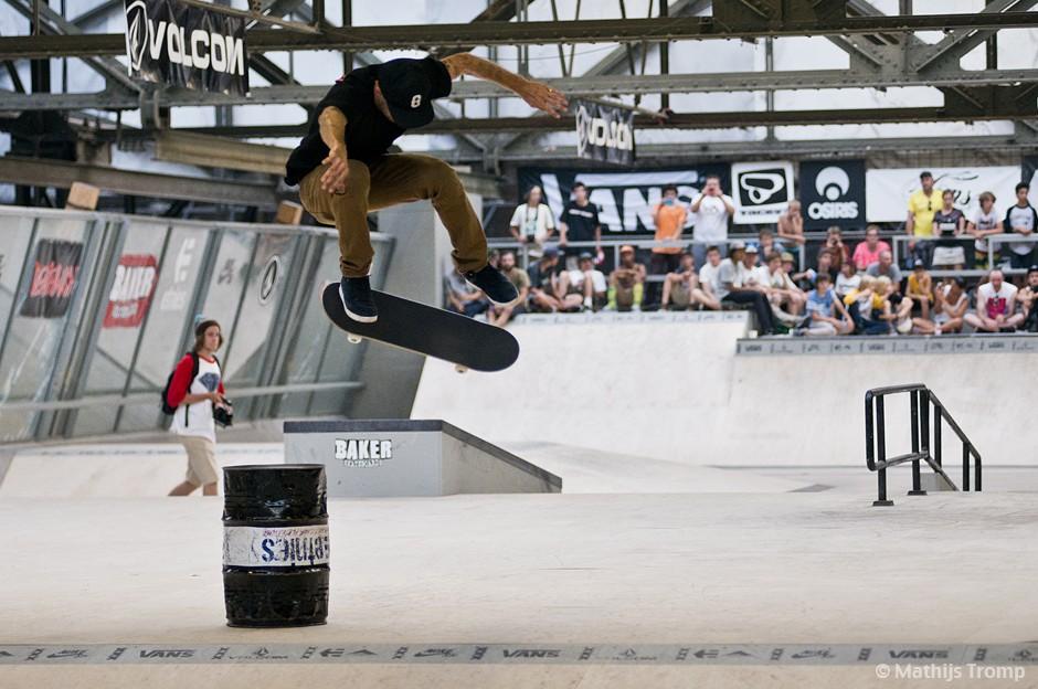Baker-Deathwish-Demo-Skatepark-Amsterdam-Andrew-Reynolds-Bs-Flip